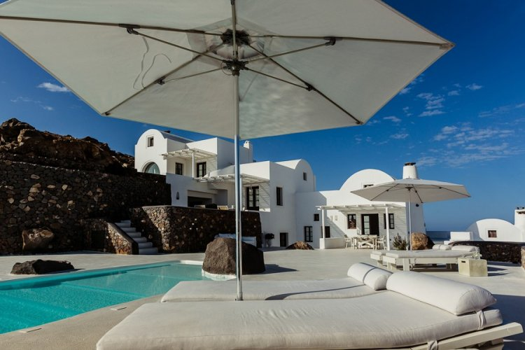 A unique retreat - Aenaon Villas In Santorini, Greece - 13