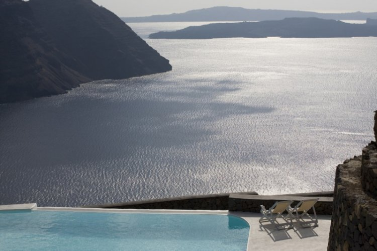 A unique retreat - Aenaon Villas In Santorini, Greece - 17