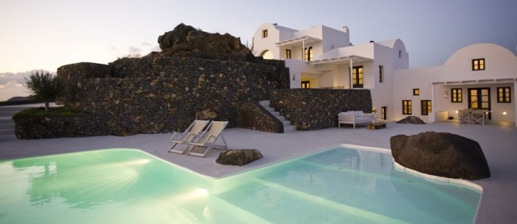 A unique retreat - Aenaon Villas In Santorini, Greece - 1