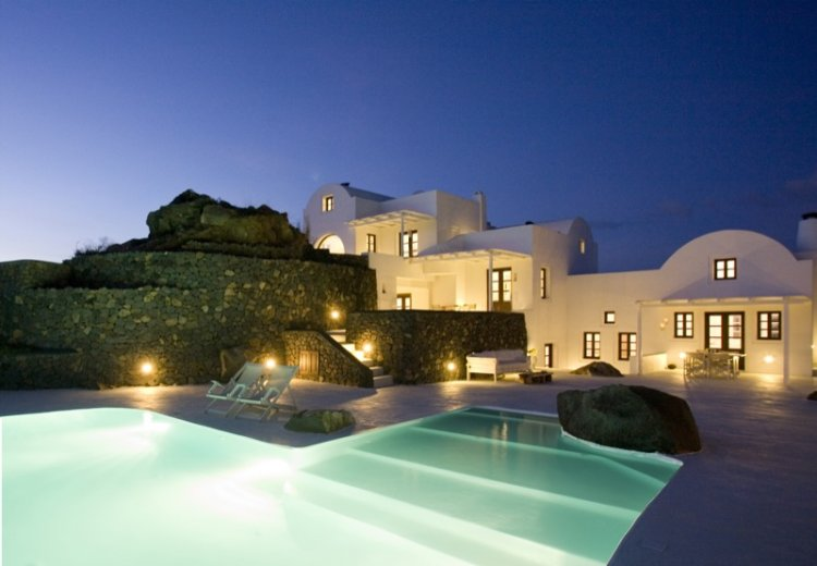 A unique retreat - Aenaon Villas In Santorini, Greece - 22