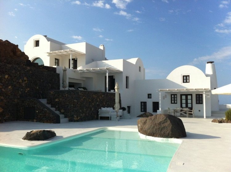 A unique retreat - Aenaon Villas In Santorini, Greece - 3