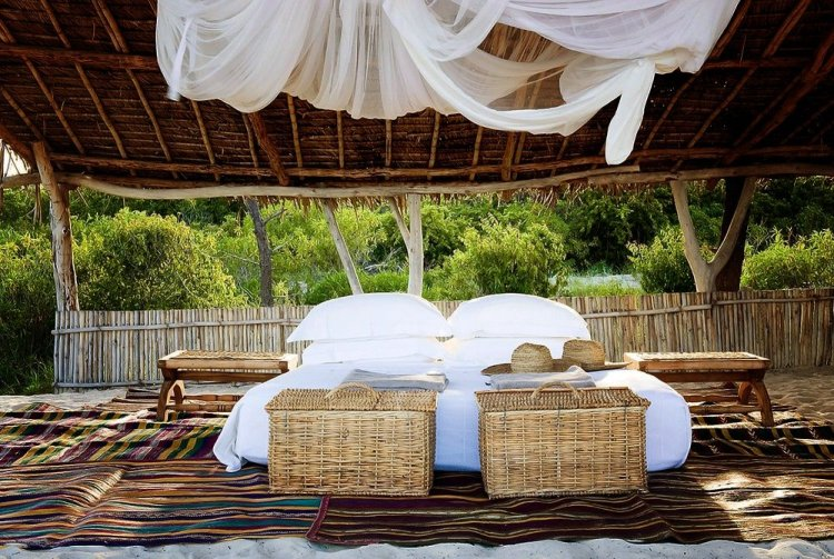 Romantic timber villas on Vamizi Island Mozambique - 7