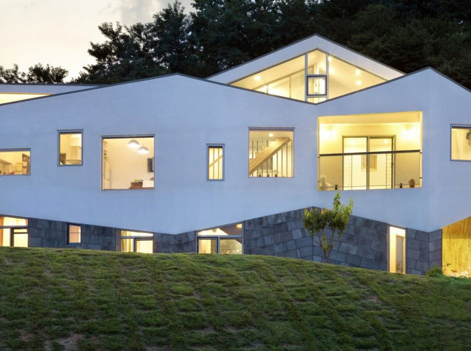 Delightful Long And Tin House With Fluctuating Facade   Panorama House By Moon Hoon   4