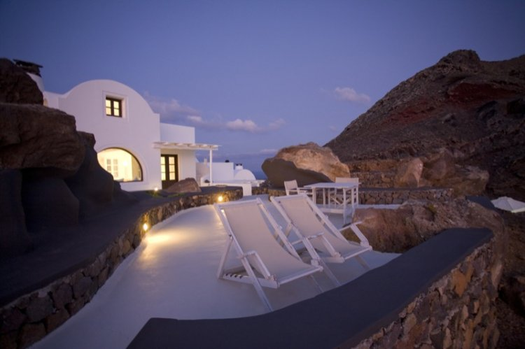 A unique retreat - Aenaon Villas In Santorini, Greece - 23