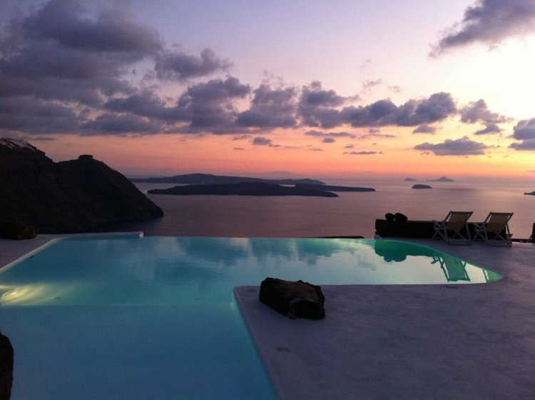 A unique retreat - Aenaon Villas In Santorini, Greece - 25