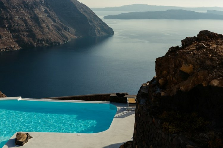 A unique retreat - Aenaon Villas In Santorini, Greece - 6