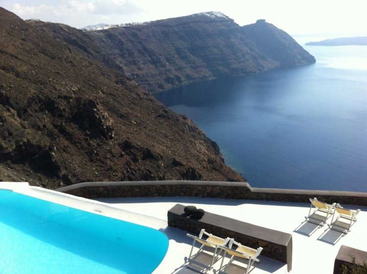 A unique retreat - Aenaon Villas In Santorini, Greece - 7