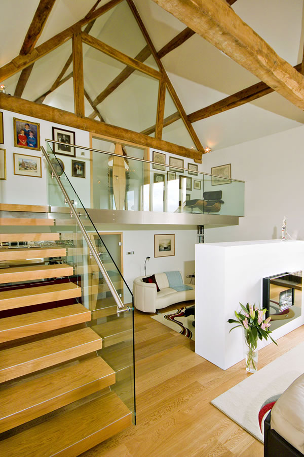 Contemporary barn conversion in England - 5