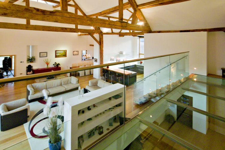 Contemporary barn conversion in England - 7