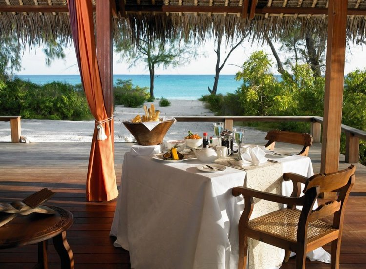 Romantic timber villas on Vamizi Island Mozambique - 9