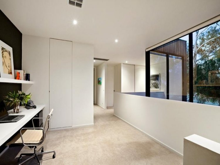 Contemporary home in Melbourne - 6