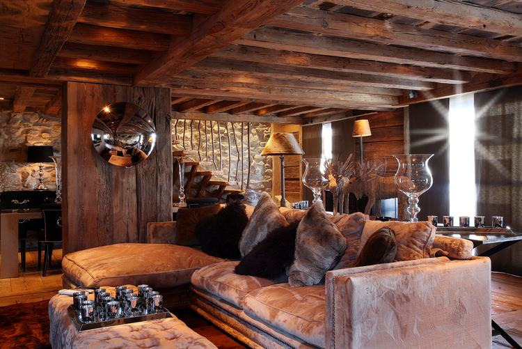 Interiors with contemporary and chic atmosphere - Hotel Saint Roch in the European Alps