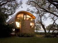 Casey Key Guest House in Florida by TOTeMS Architecture